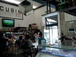 Cubik Fashion Bar