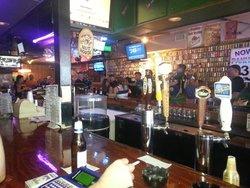 Peanut's Restaurant & Sports Bar