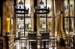 Qespi Restaurant & Bar