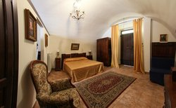 Legacy B&B, Apartments and Cooking Holidays