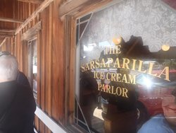 ‪Sarsaparilla Ice Cream Parlor and Gift‬