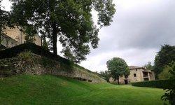 Parque Del Castillo de Montesquiu