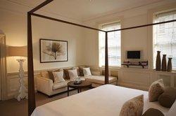 더 퀸즈베리 호텔