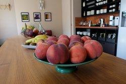 Breakfast room, always fresh fruit available