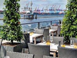 Au Quai Restaurant