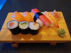 Happy Sushi & Noodles
