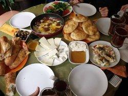 Saray Ciftligi Kahvalti ve Yemekevi