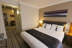 Holiday Inn Cardiff North – M4, Jct.32