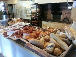 Lustrabui Bakery