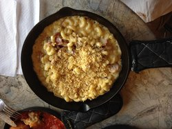 Mac N' Out Macaroni & Cheese