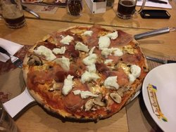 Pizzeria DQM Da quei matti Av. Villas