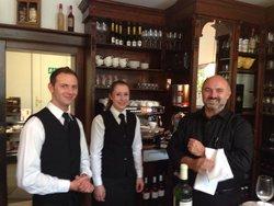Petit Paris - Cafe Bistro Champagner