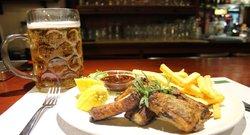 Costine di Maiale in salsa Babeque ed ottima birra alla spina Felsen Brau
