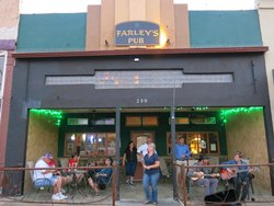 Farley's Irish Pub