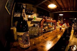 Harris Bilochiossi Pub