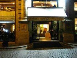 Hotel Cosmopolita entrance