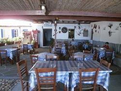 Idroussa Tavern