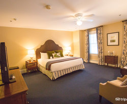 The Deluxe King at the Omni Mount Washington Resort