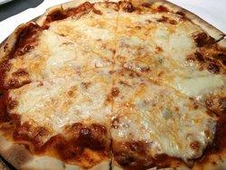 ร้านอาหารอิตาเลี่ยน เดลิคาเตซซ่า