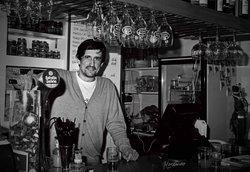 Los Claveles Tavern & Music