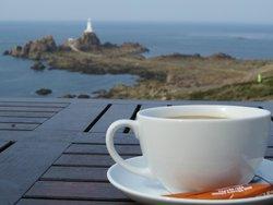 Кофе с видом на маяк