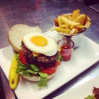 26Hamburger&Delicious