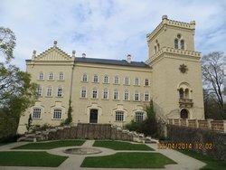 Zamek a Zamecky Pivovar Chyse