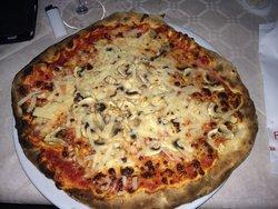 Saxum Pizzeria Pub