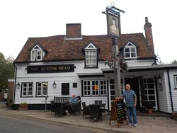 Image The Queen's Head in East of England