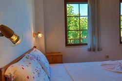 180x200 cm Hilton beds are availabe at Villa Dundar