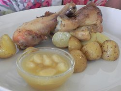 Chicken with potatoes and Apple Chutney