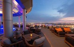 Zeppelin Rooftop Bar