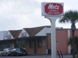 Metz Lounge I