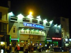 ‪The Castle Pub‬