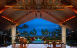 ' ' from the web at 'https://media-cdn.tripadvisor.com/media/photo-f/06/9e/2c/f1/montage-kapalua-bay.jpg'