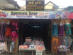 Be Ny Souvenir Shop