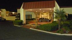Laurel Hotel & Conference Center