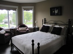 50th Avenue House Bed and Breakfast