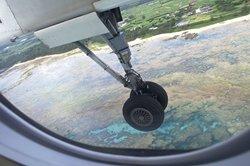 2014年の9月1日から日本国内の旅客機において離着陸時の撮影が許可されるようになりました(通信電波を発しないものに限る)。