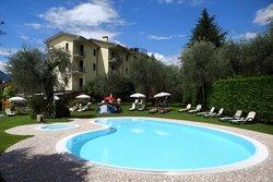 貝納庫斯飯店 - 馬爾切西內