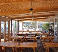 La Vie Café & Bar