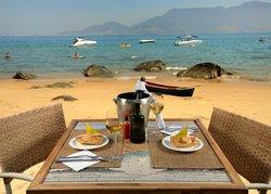 Viana Praia e Restaurante Ilhabela Brasil