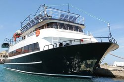 Rizos Daily Cruises Discovery Boat