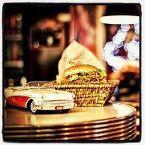 Egg & Burger Diner