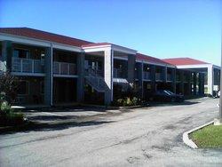 Campton Parkway Inn