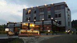 Grand Mulia Hotel