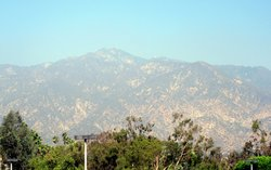 ‪San Gabriel Mountains‬