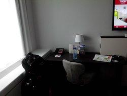 mesa de trabalho no quarto