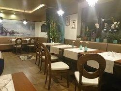 Black Cab Pub & Restaurant