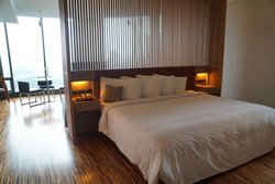 wood suite